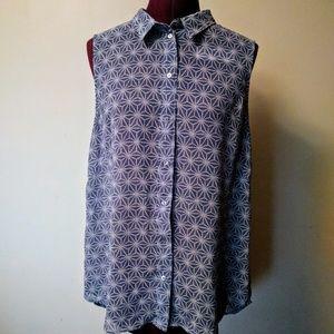 H&M Sleeveless Button Down Shirt Size 10